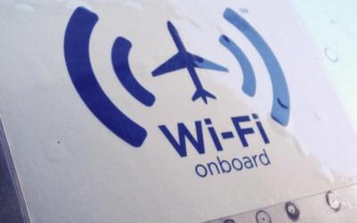 Starlink, de Elon Musk, implementa enlaces láser para dar wifi en aviones